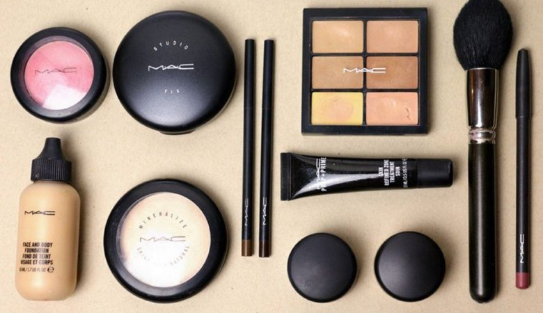 Best Makeup Kit in India